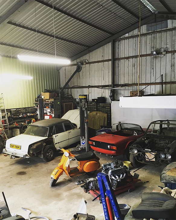 classic-car-restoration-workshop